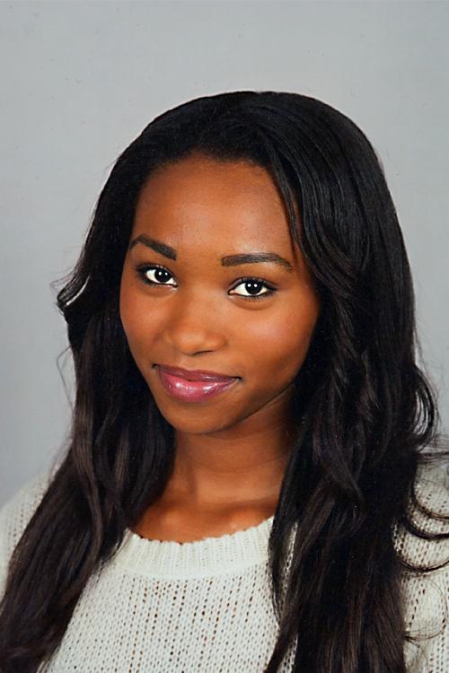 Model Rosemary aus Hof Haarfarbe: schwarz