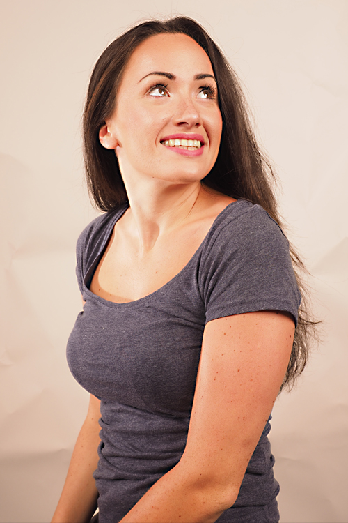Sabina aus Hamburg Haarfarbe: braun (dunkel), Augenfarbe: braun, Größe: 166