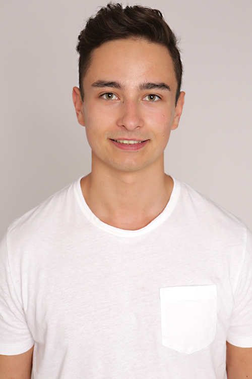 Model Gabriel aus München Haarfarbe: braun (dunkel)