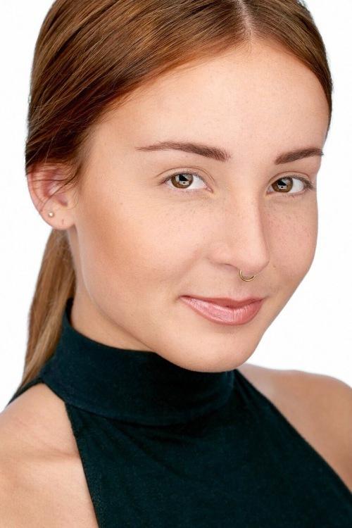 Model Alicia aus München Haarfarbe: braun (mittel)