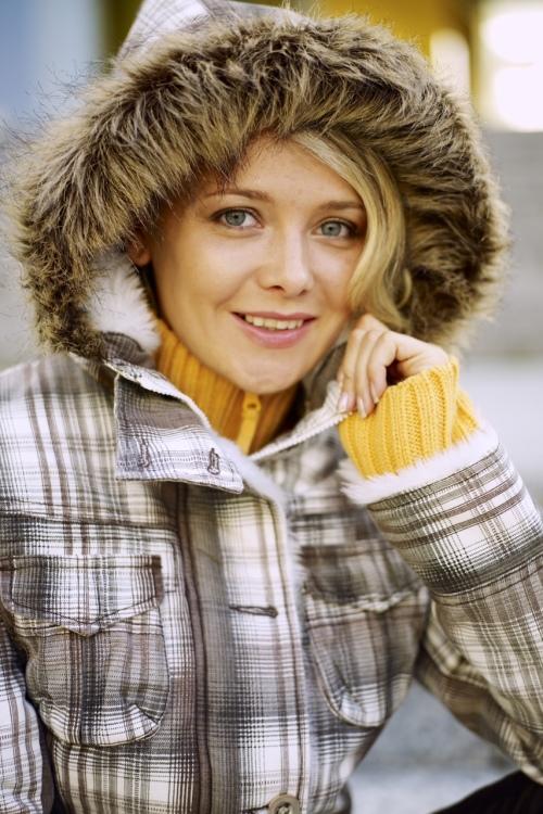 Model Karina aus Remseck  Haarfarbe: blond (mittel)