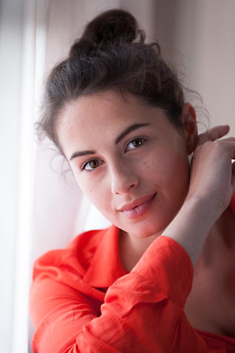 Model Tosca aus Berlin  Haarfarbe: braun (dunkel)