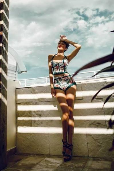 Model Jannicke aus Essen Haarfarbe: braun (mittel)
