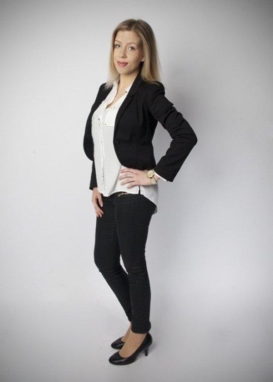 hostess model karolina aus k ln booking 12921 messe. Black Bedroom Furniture Sets. Home Design Ideas