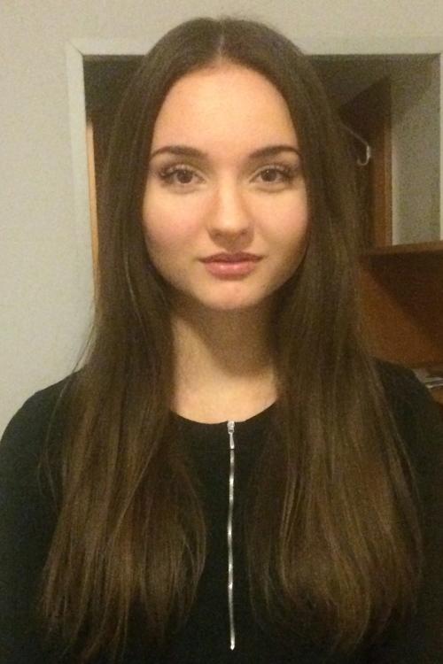 Laura aus Wien Haarfarbe: braun (mittel), Augenfarbe: braun, Größe: 168, Deutsch: 0, Englisch: , Französisch: , Spanisch: