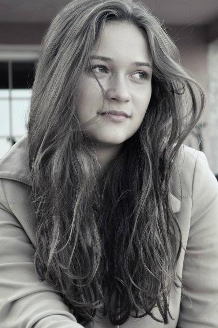 Model Luisa aus München Haarfarbe: braun (mittel)