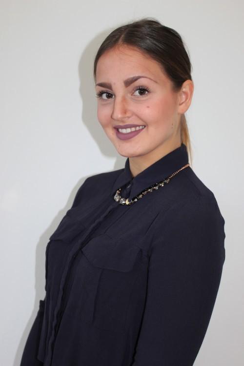 Hostess Sophie aus Hannover, Konfektion 36, Studium Ev.Theologie und Politikwissenschaften