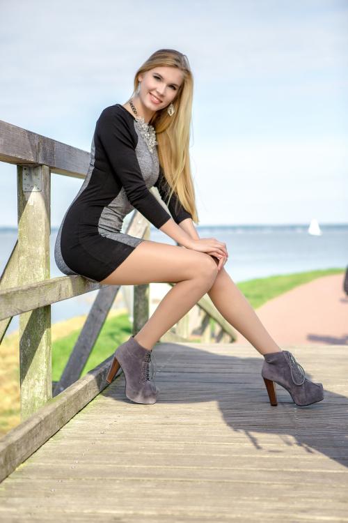 Hostess Maria aus Hannover, Nationalität Deutsch, Haarfarbe blond (mittel)