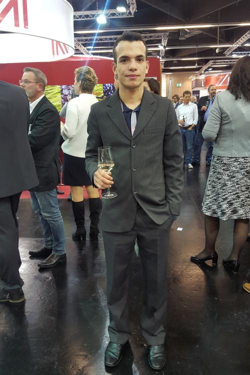 Model Igor  aus Eckental Haarfarbe: braun (mittel)
