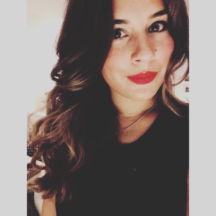 Clarissa aus Hannover Haarfarbe: braun (dunkel), Augenfarbe: braun-grün, Größe: 170, Deutsch: 0, Englisch: , Französisch: , Spanisch: