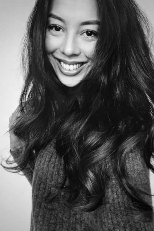 Model Julia aus Köln Haarfarbe: braun (dunkel)