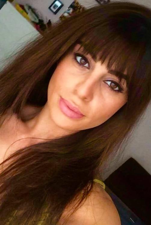 Model Aysel aus Nürnberg Haarfarbe: braun (dunkel)