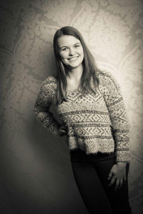 Model Elena aus Leverkusen, Hamm Haarfarbe: blond (dunkel)