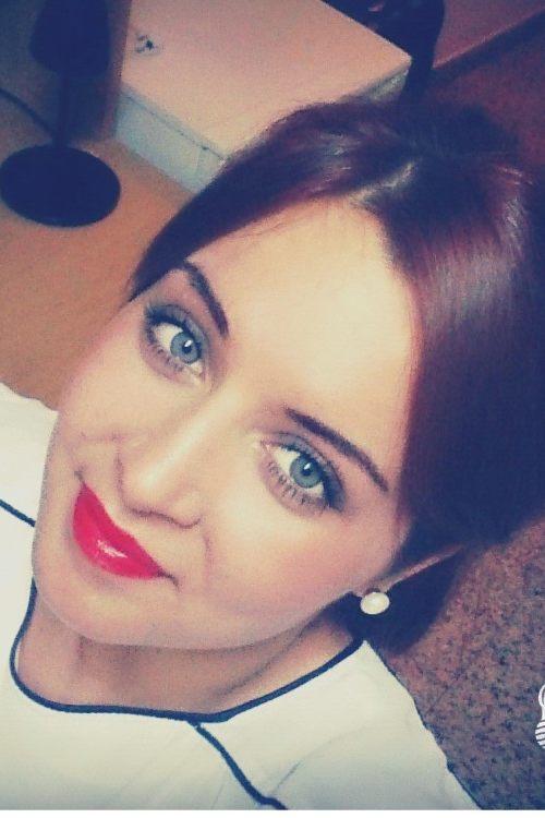Model Maria Mattia aus leverkusen Haarfarbe: braun (hell)
