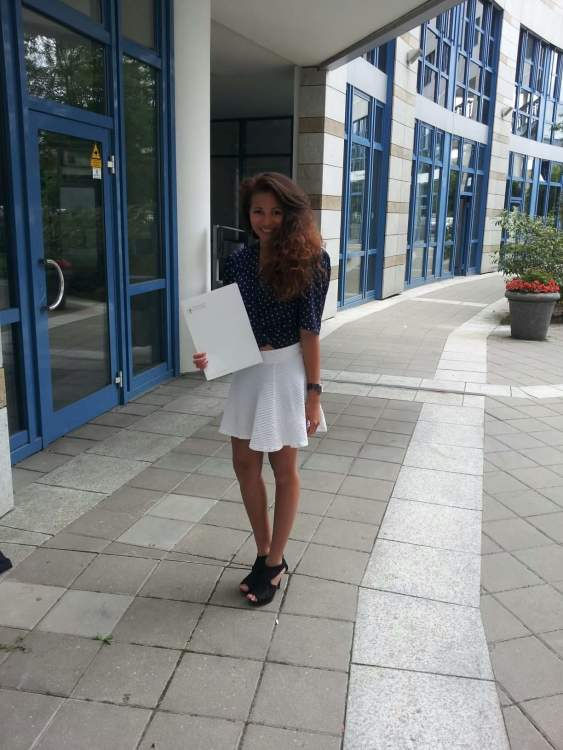 Hostess Emily  aus Leipzig, Konfektion 36, Studium Wirtschaftsingwesen