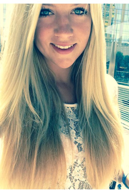 Model Stina aus Hamburg  Haarfarbe: blond (mittel)