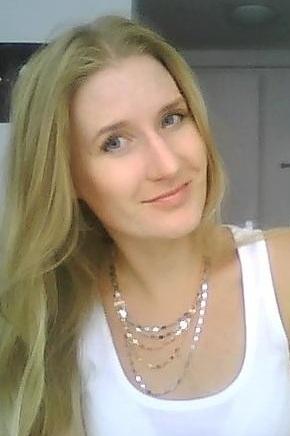 Model Linda aus Hamburg Haarfarbe: blond (mittel)