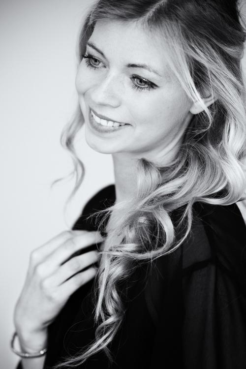 Hostess Anne aus Berlin, Nationalität Deutsch, Haarfarbe blond (dunkel)