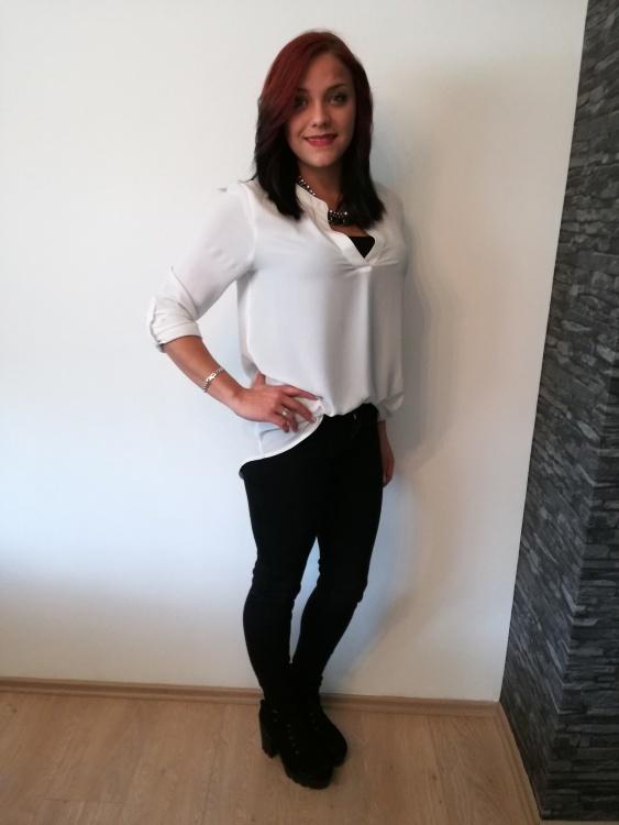 Hostess Melanie  aus Stuttgart, Nationalität Deutsch, Haarfarbe braun (hell)