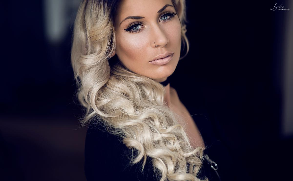 Hostess Jenny aus Freudenberg , Nationalität Deutsch, Haarfarbe blond (hell)