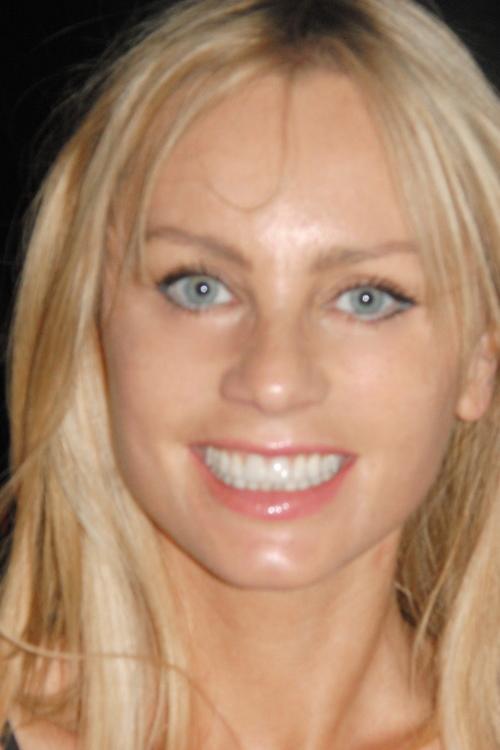 Model Agnieszka aus Düsseldorf Haarfarbe: blond (hell)