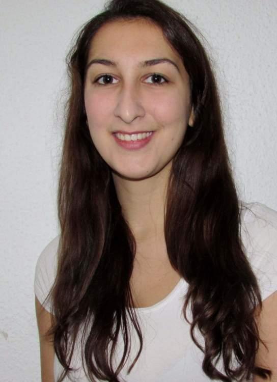 Model Anna aus Dresden Haarfarbe: braun (mittel)