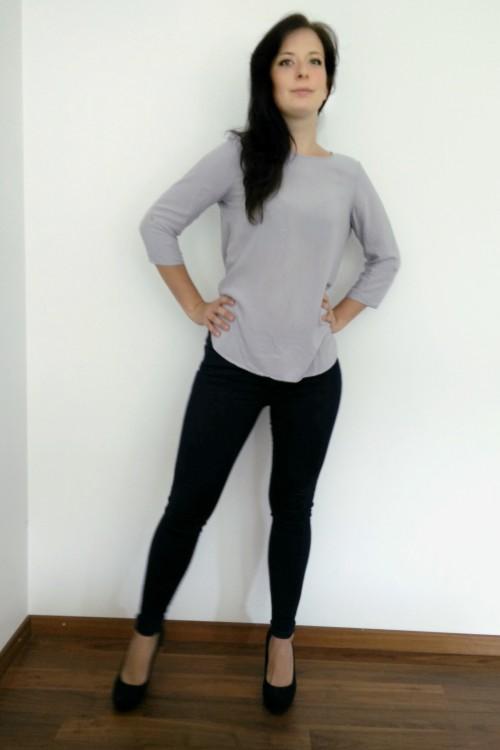 Model Anaïs aus Düsseldorf Haarfarbe: braun (dunkel)