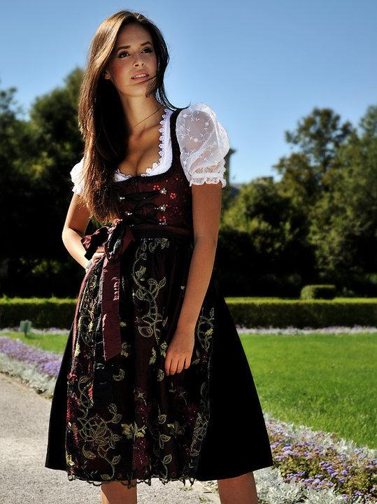 Hostess Andrea aus München, Konfektion 36, Studium International Business