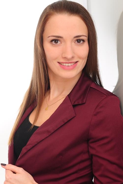 Model Violetta aus Gelsenkirchen Haarfarbe: braun (hell)