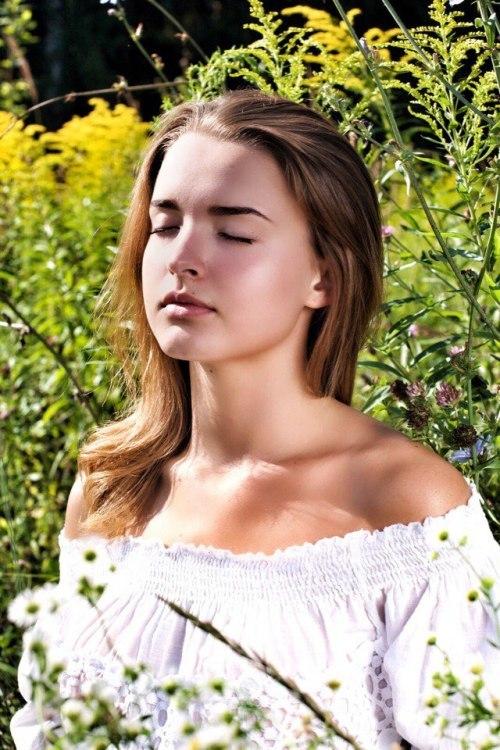 Model Valeria aus Gelsenkirchen Haarfarbe: blond (dunkel)