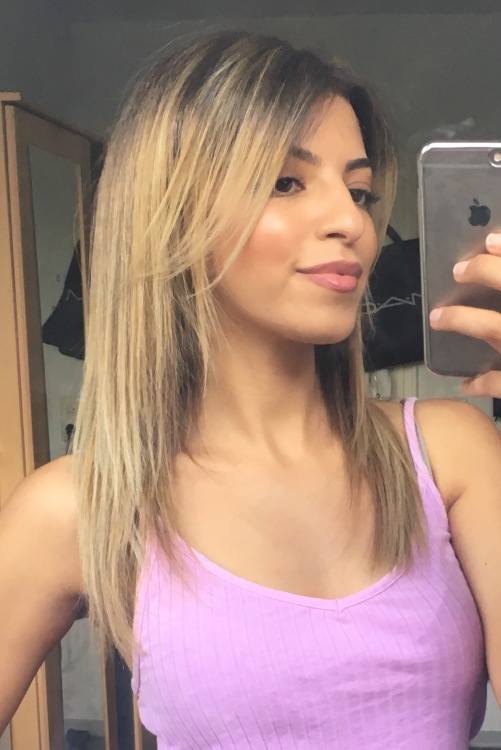 Model zohra  aus Bochum  Haarfarbe: blond (dunkel)