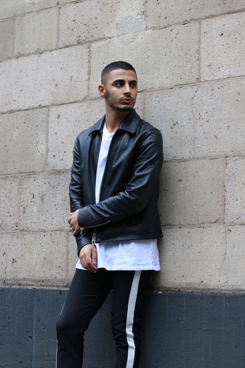Model David  aus Düsseldorf  Haarfarbe: schwarz