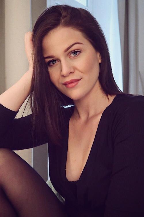 Model Jule aus Dortmund Haarfarbe: braun (dunkel)