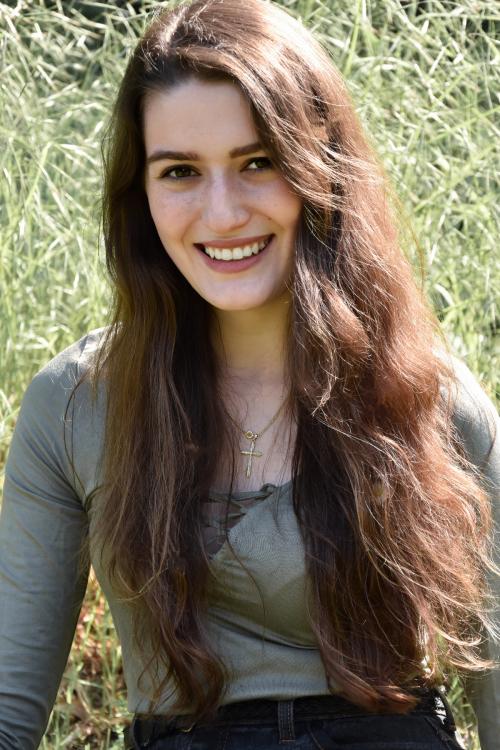 Model Natalie aus Aschaffenburg Haarfarbe: braun (mittel)