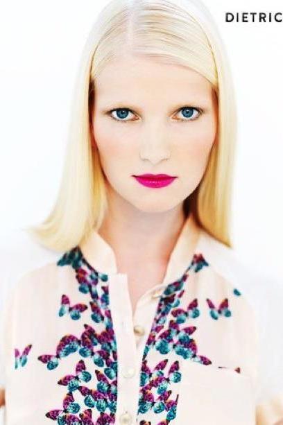 Lisa aus Hamburg Haarfarbe: blond (hell), Augenfarbe: blau, Größe: 179