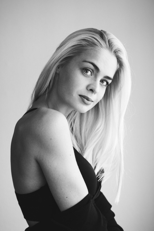 Model Anna aus Bonn Haarfarbe: blond (hell)