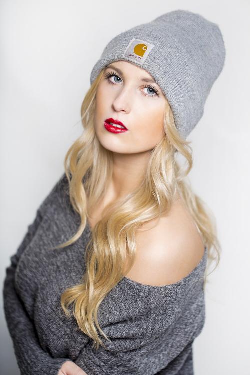 Model Marcia aus Castrop-Rauxel Haarfarbe: blond (hell)