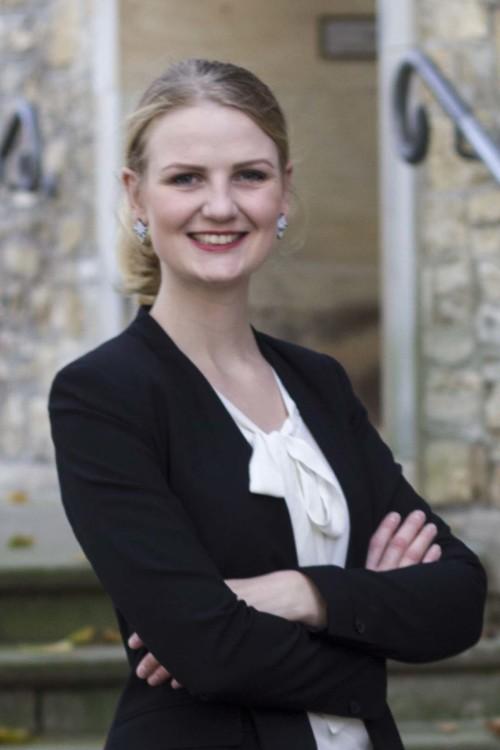 Fenja aus Osnabrück Haarfarbe: blond (mittel), Augenfarbe: blau-grau, Größe: 170, Deutsch: 0, Englisch: , Französisch: , Spanisch: