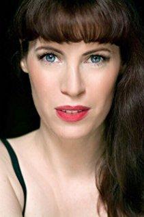 Adrienne aus Berlin Haarfarbe: braun (mittel), Augenfarbe: blau, Größe: 173, Deutsch: 0, Englisch: , Französisch: , Spanisch: