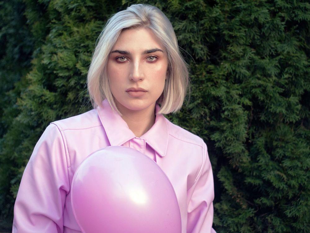 Dominika aus Wien Haarfarbe: blond (hell), Augenfarbe: grün, Größe: 178, Deutsch: 0, Englisch: , Französisch: , Spanisch:
