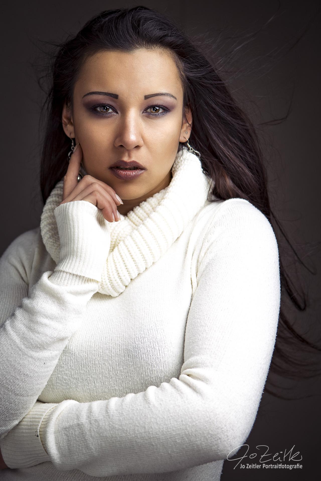 Model Nicole aus Dresden Haarfarbe: braun (dunkel)