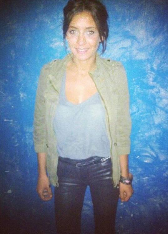 Hasna aus Düsseldorf Haarfarbe: braun (hell), Augenfarbe: grün, Größe: 167, Deutsch: 0, Englisch: , Französisch: , Spanisch: