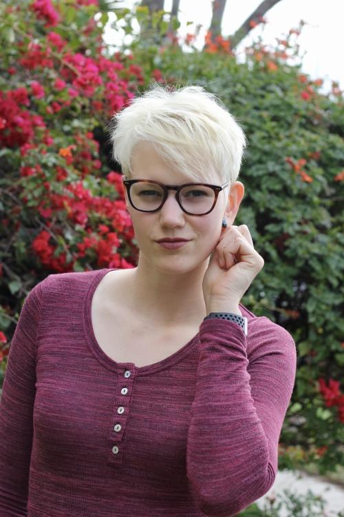 Marie aus Mönchengladbach Haarfarbe: blond (hell), Augenfarbe: braun, Größe: 188, Deutsch: 0, Englisch: , Französisch: , Spanisch: