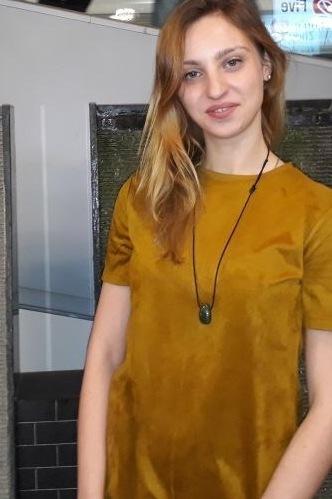 Karina Maria aus Berlin Haarfarbe: blond (mittel), Augenfarbe: blau-grau, Größe: 165, Deutsch: 0, Englisch: , Französisch: , Spanisch:
