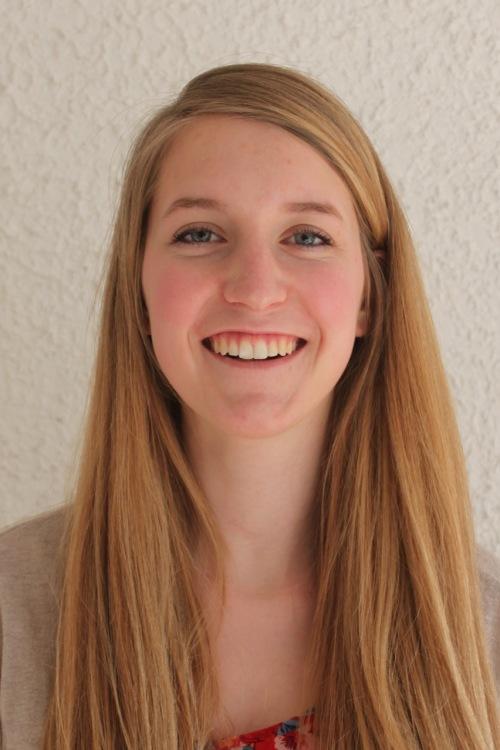 Petra aus Herzog-Heinrich-Weg 6 Haarfarbe: blond (mittel), Augenfarbe: blau, Größe: 175