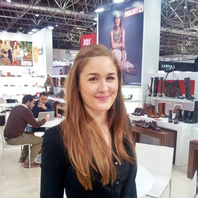 Promoter(in) Xenia aus Wuppertal, Größe 170, Deutsch Muttersprache