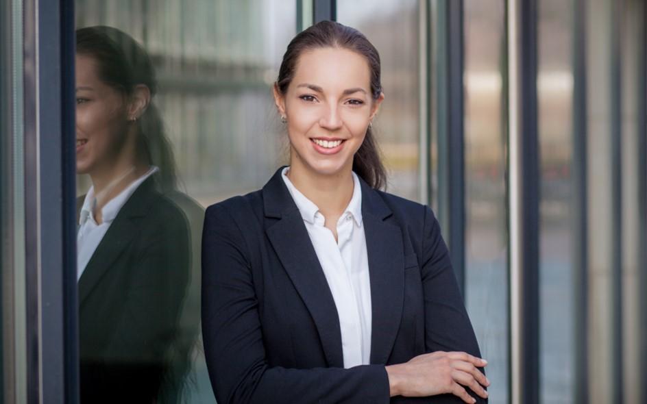 Hostess Annalena aus Bonn, Nationalität Deutsch, Haarfarbe braun (dunkel)