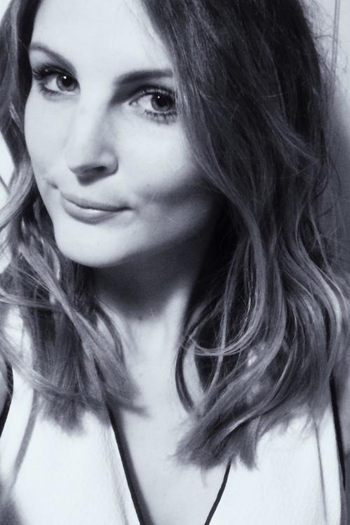 Model Lisa aus Hannover Haarfarbe: blond (dunkel)