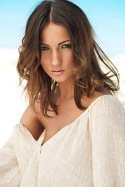 Model Sandra aus Dortmund Haarfarbe: Braun