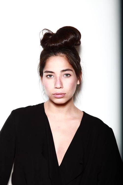 Model Thania aus Berlin Haarfarbe: braun (dunkel)